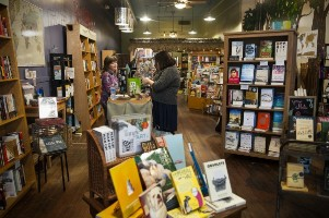 Bookstores Turn a New Page on Brick and mortar retailing